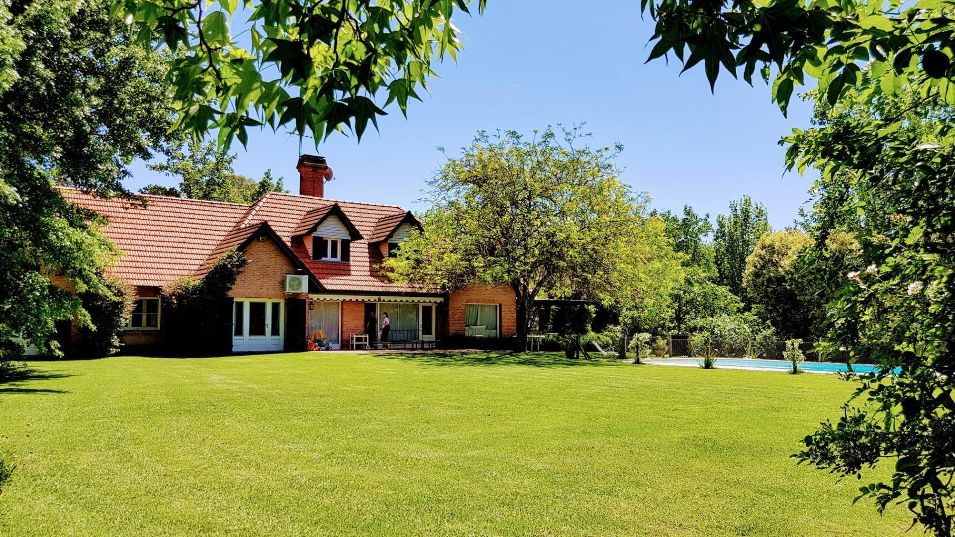 Casa en Venta - 5 ambientes - USD 519.000